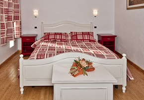 Intimate and classy bedrooms. B&B Locanda Incantata